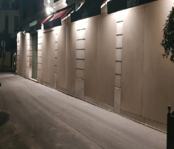Protection de vitrine